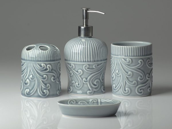 grey-floral-vintage-soap-dispenser-600x450
