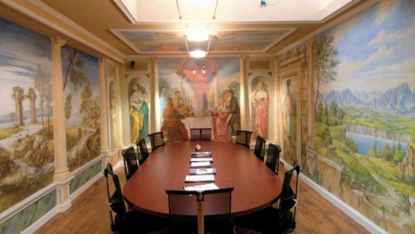 Fresco-office-design-conference-room-582x329